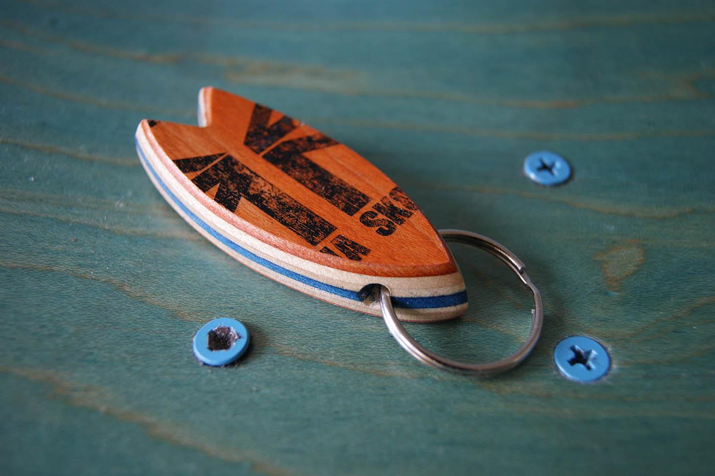 Skatan Skatan LLC – Surfboard Keychain Skateboarding Upcycling- Surfboard Keychain Skateboarding Upcycling Store
