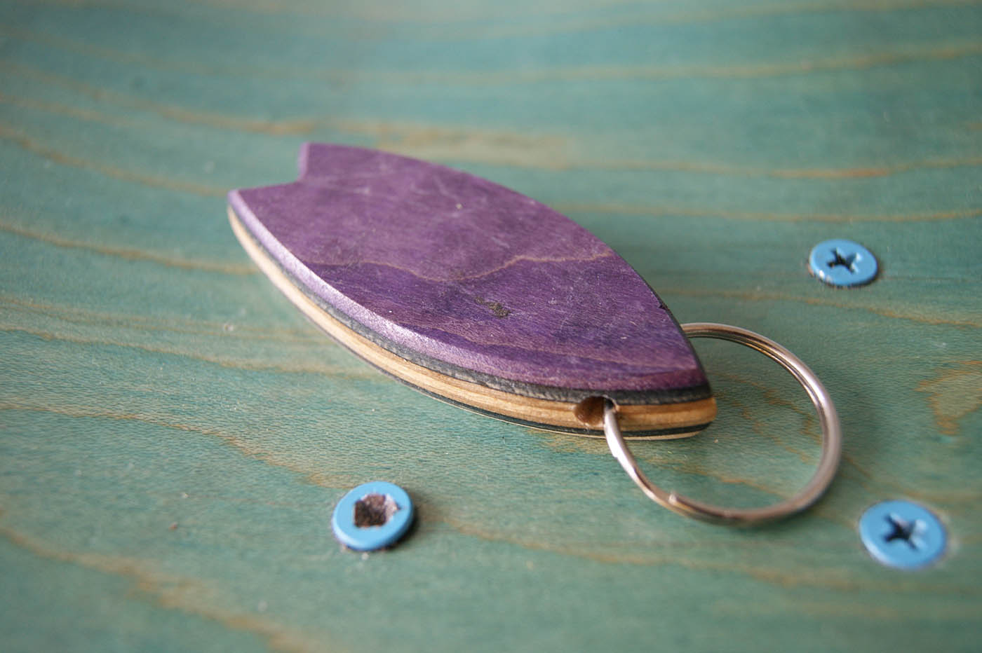 Skatan LLC – Surfboard Keychain Skateboarding Upcycling- Surfboard Keychain Skateboarding Upcycling Shop