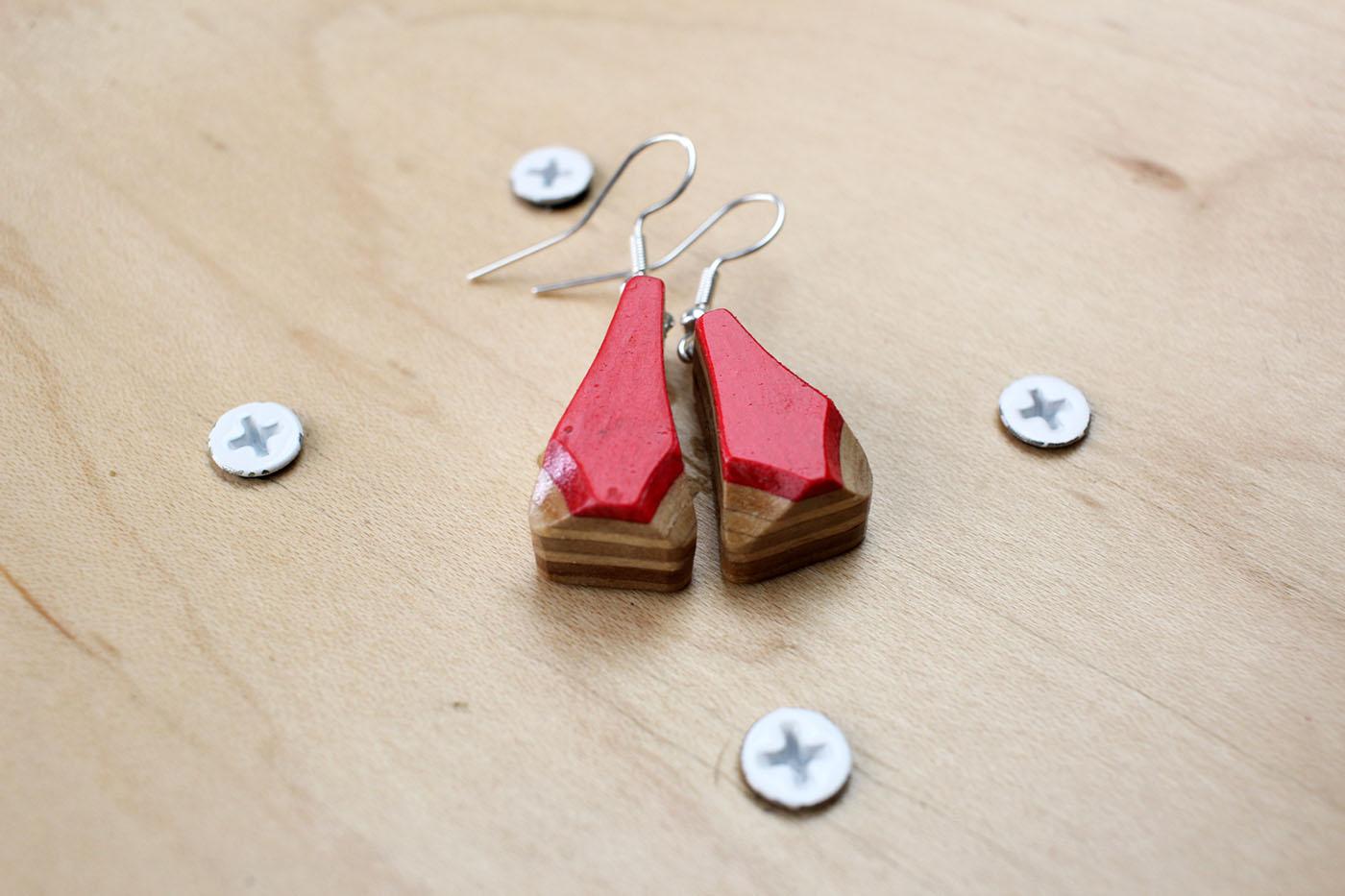 earrings skatan llc45