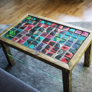 ARTY TABLE UPCYCLED SKATEBOARD UNIQUE ART TABLE HANDCRAFTED GLAS TABLE SKATEBOARD MOSAIK TABLE