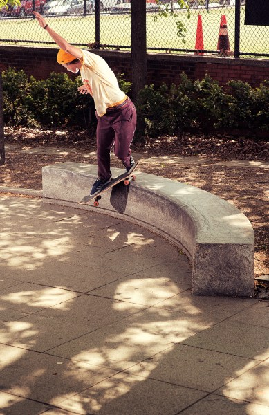 yaje_popson_switch_backside_smith_grind