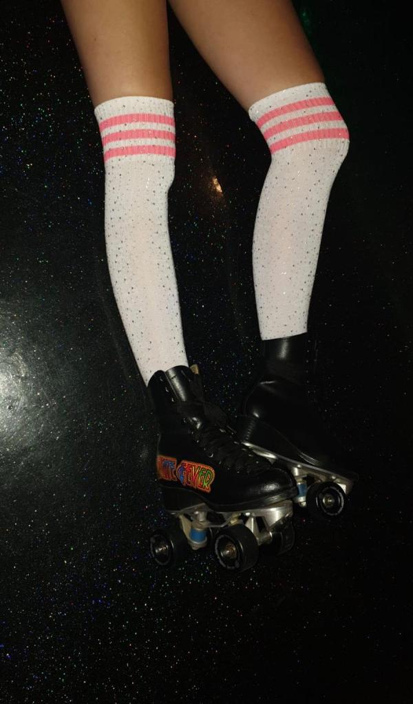 Witte glitter kousen met roze streep