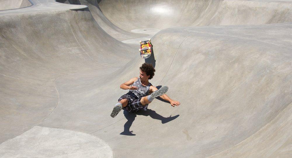 fall from skateboard