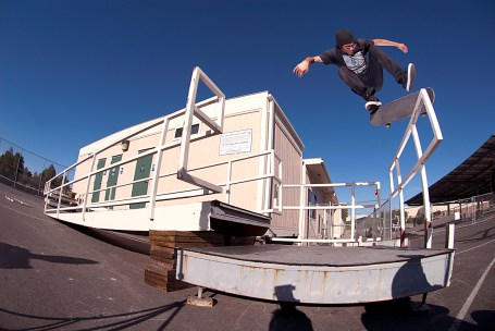 Jonathan Perez backside flip