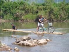 """och finns det ingen bro kan man bli """"flottad"""" över"""