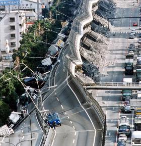 阪神高速倒壊