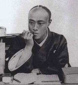 キセルを吸う徳川慶喜