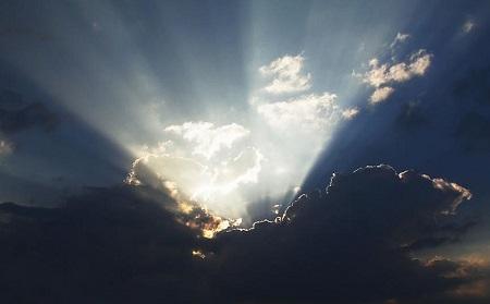 天使の梯子上向き