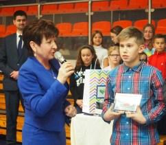 Zdjęcia z wręczenia nagrody w Szkole Podstawowej nr 2 w Skawinie