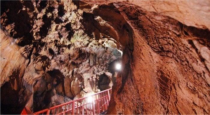 Flohhöhle [不二洞探検]