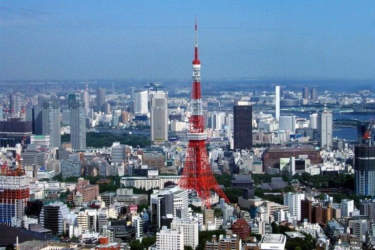Superlotação e crescente população urbana do Japão - tokyo tower torre 1