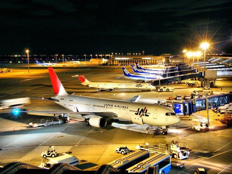 Paixões e estereótipos - coisas que descrevem os japoneses - aviao japao aeroporto 3