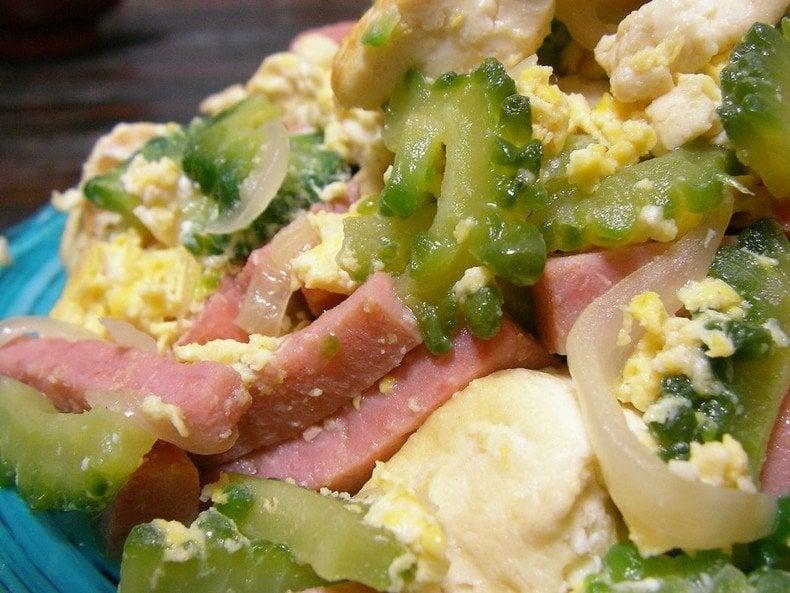 Goya chanpuru – um prato amargo de okinawa