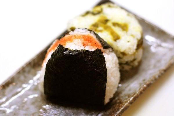 Onigiri - Bolinho de arroz japonês - お握り - onigiri bolinho de arroz 1