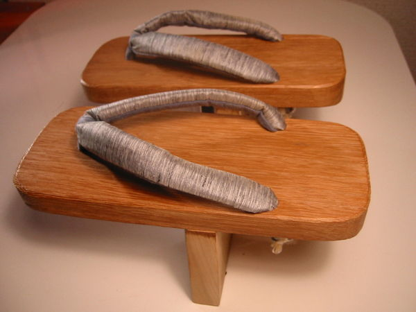 Geta - Calçado de madeira japonês