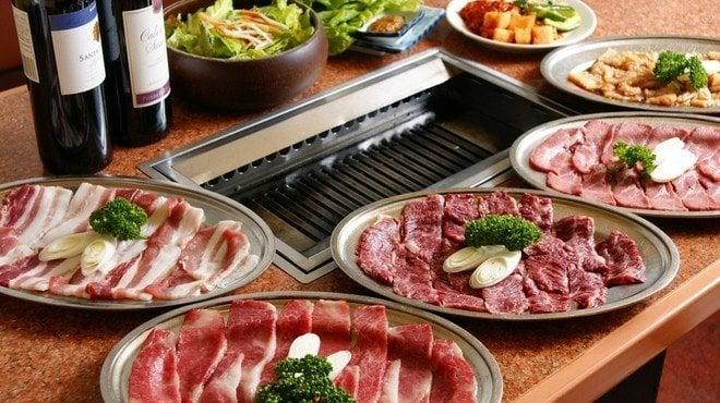 Restaurante yakiniku - la barbacoa japonesa