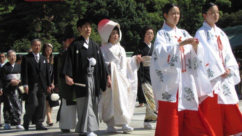 Como dizer esposa em japonês? - casamento shinto 4