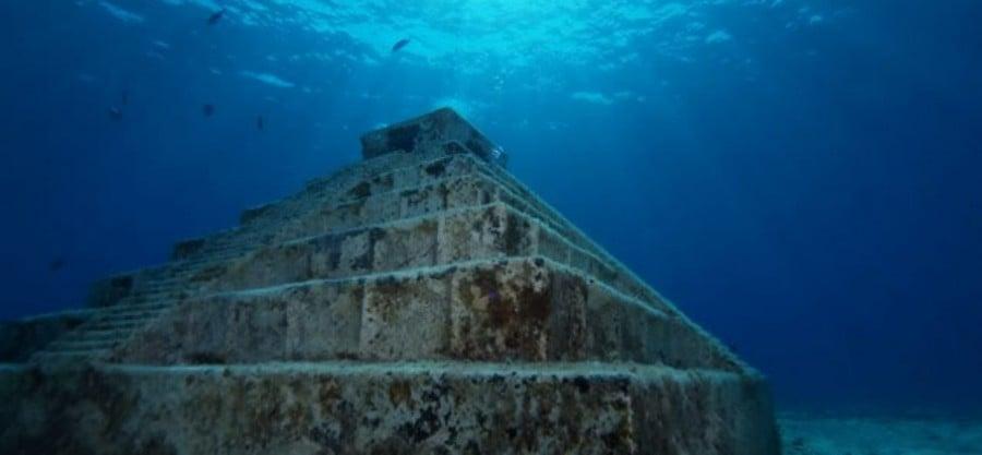 Ruínas yonaguni: a cidade perdida - piramide
