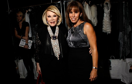 Joan Rivers' daughter sues clinic over the death of her mother