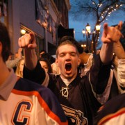 Oilers beat Canadiens in overtime