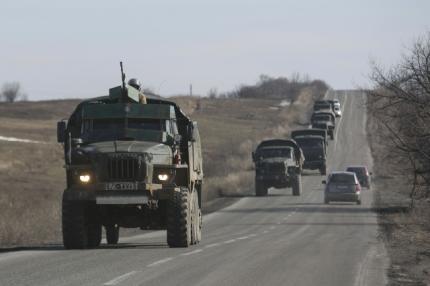 Ukraine delays pullback of heavy weapons