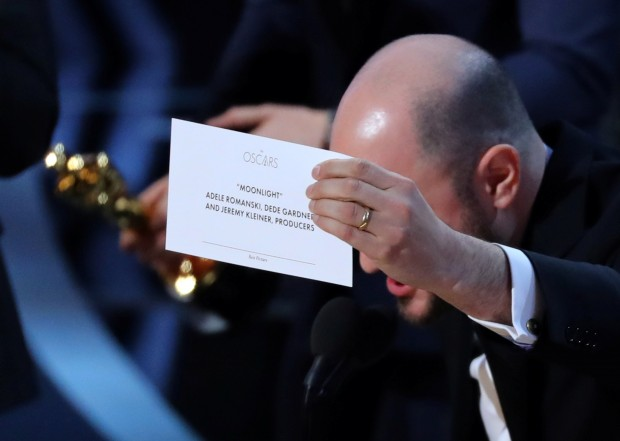 Oscars blunder prompts probe as 'Moonlight' takes best picture