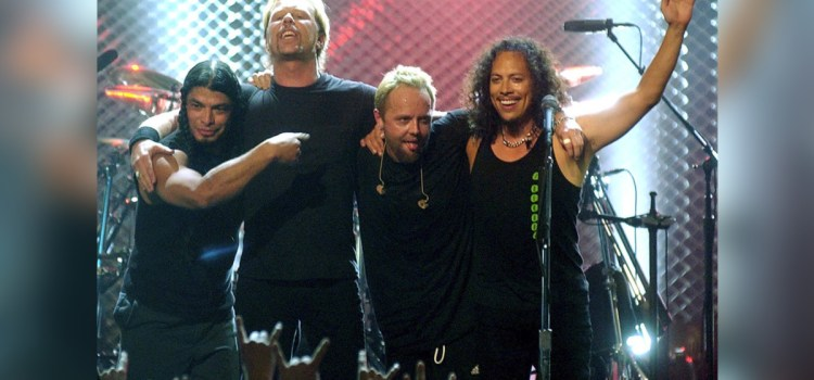 Metallica gives $131G to wildfire relief