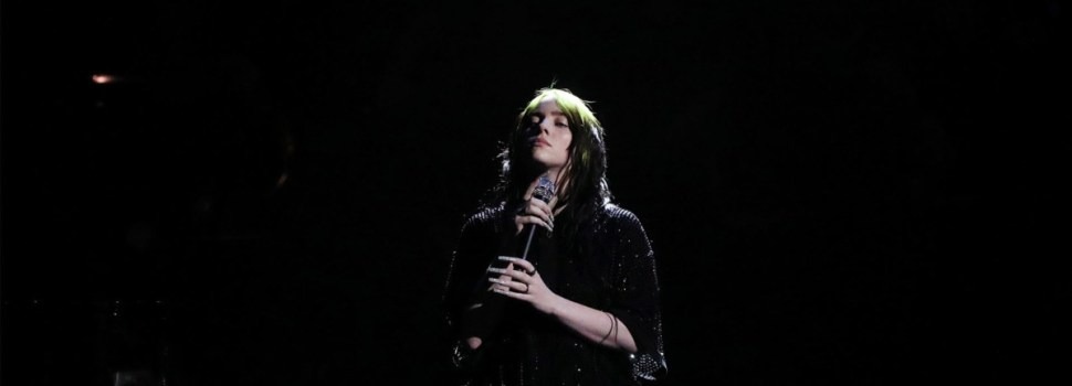 Billie Eilish begins tour with body-positivity speech