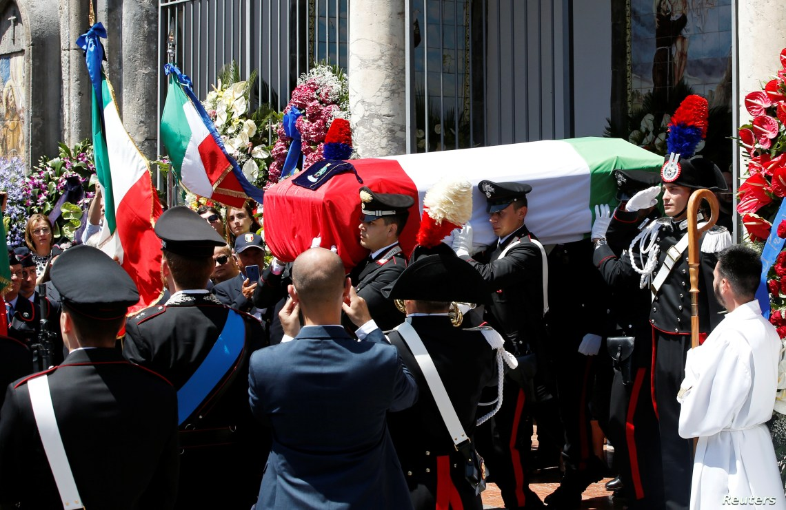 Carabinieri officers carry the coffin of slain Carabinieri military police officer Mario Cerciello Rega during his funeral in his hometown Somma Vesuviana, Italy, July 29, 2019.