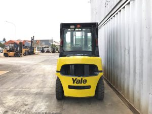 yale-gdp40LJ-4t-used-forklift-cyprus-back