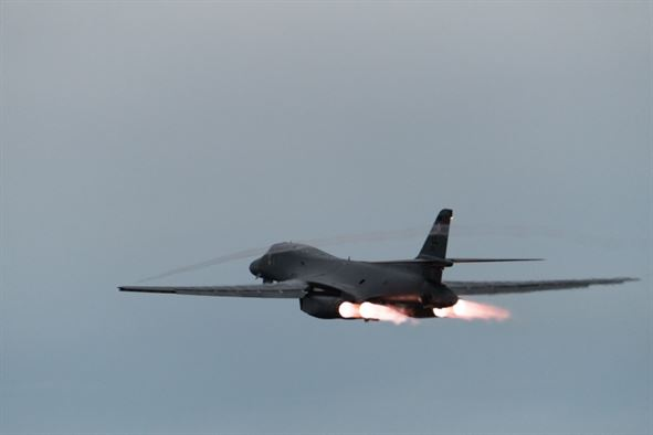 B-1 B Lancers conduct combined training with JASDF and ROKAF fighters at night: Bomber Presence Mission