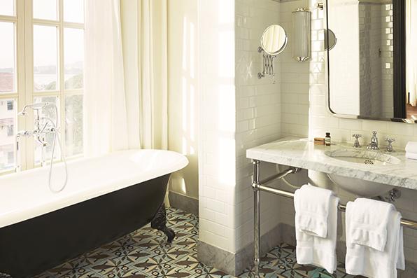 ATH-RoomsCar-Suite_2