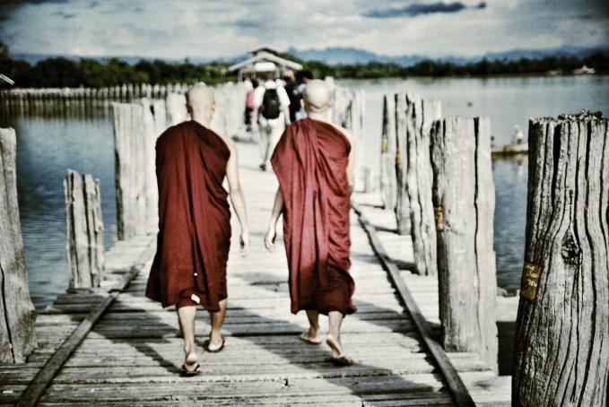Being 1,2km long, U Bein bridge is the longest wooden bridge completely built out of teak. (Amarapura, Myanmar)