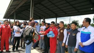 Komandan Lanud Adisutjipto Marsma TNI Ir. Novyan Samyoga, M,M saat menerima para penerjun payung Nasional, pada event JSPB, Sabtu, 29/10, Di shelter KT 1B Wong Bee (dok. Lanud Adisutjipto)