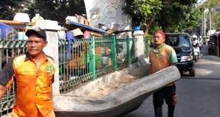 2 Wilayah Perlu Grebek Jalur Kumuh Sisi  Rel KA Inspeksi Pasar Baru – Juanda