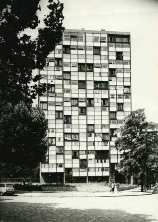 1961, Tour Bois le Prêtre, 100 logements, 75017 Raymond Lopez, architecte © Collection Pavillon de l'Arsenal