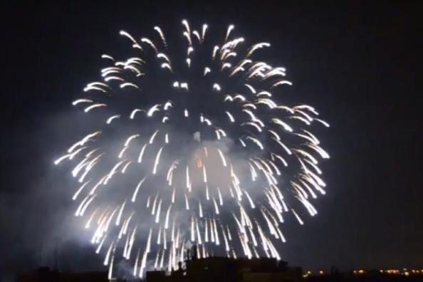 Λαμπρή η υποδοχή του 2021 στη Θεσσαλονίκη! Φωτίστηκε ο ουρανός από τα πυροτεχνήματα (VIDEO)