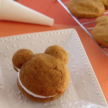 mickey pumpkin whoopie pies recipe