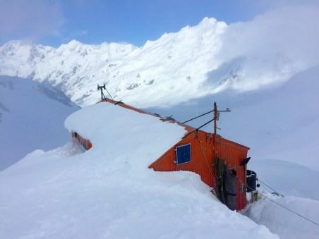Tasman Saddle Hut