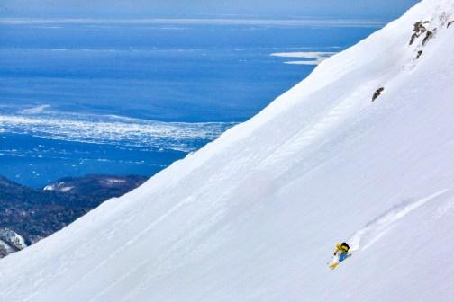 Joel skiing Rausu dake