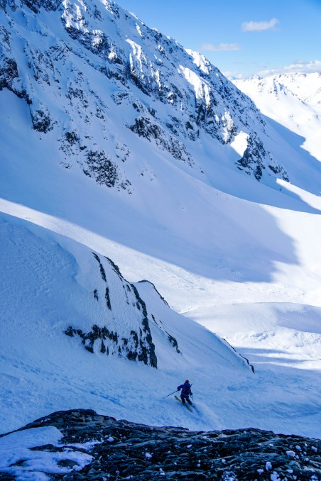 Sibbald - skiing below couloir to lake