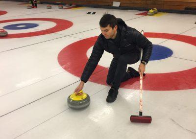 S01 Curling