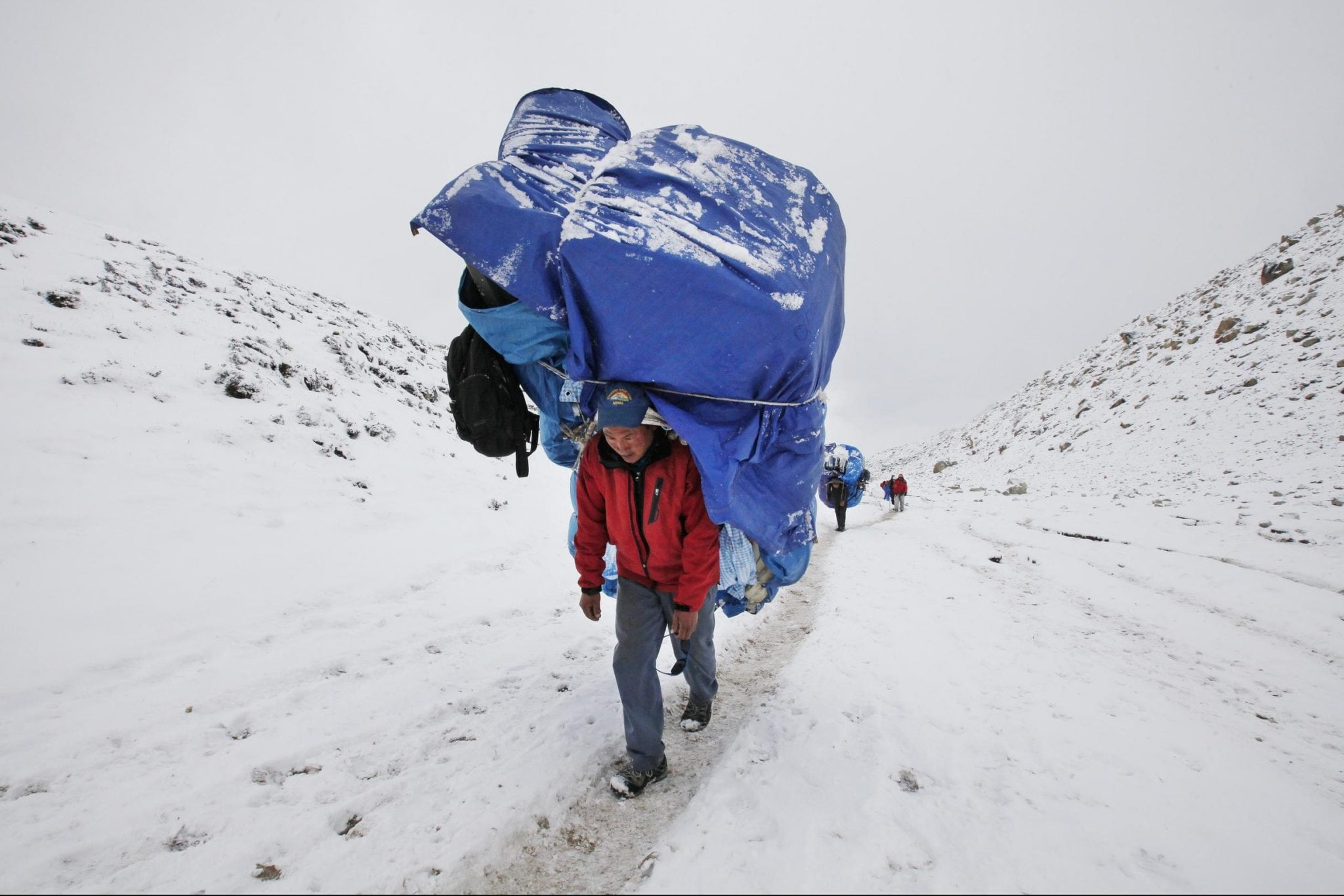 Mt Everest Tourism Continues Despite Earthquakes And