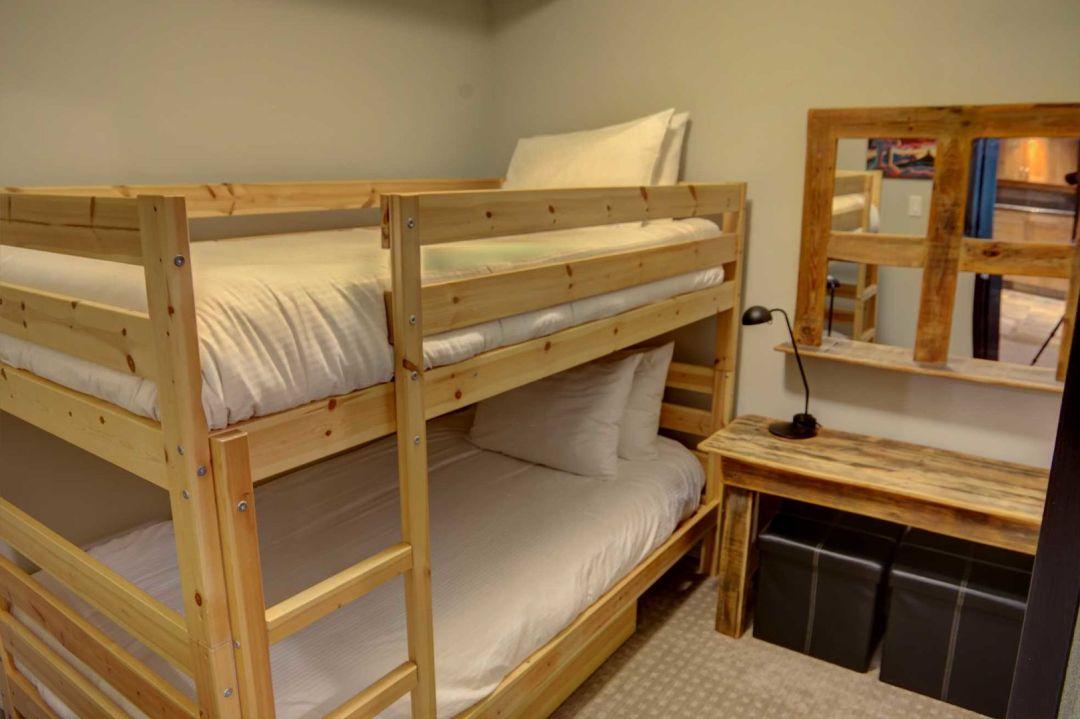 3 Bedroom Powderhorn Blackcomb Benchlands (11)
