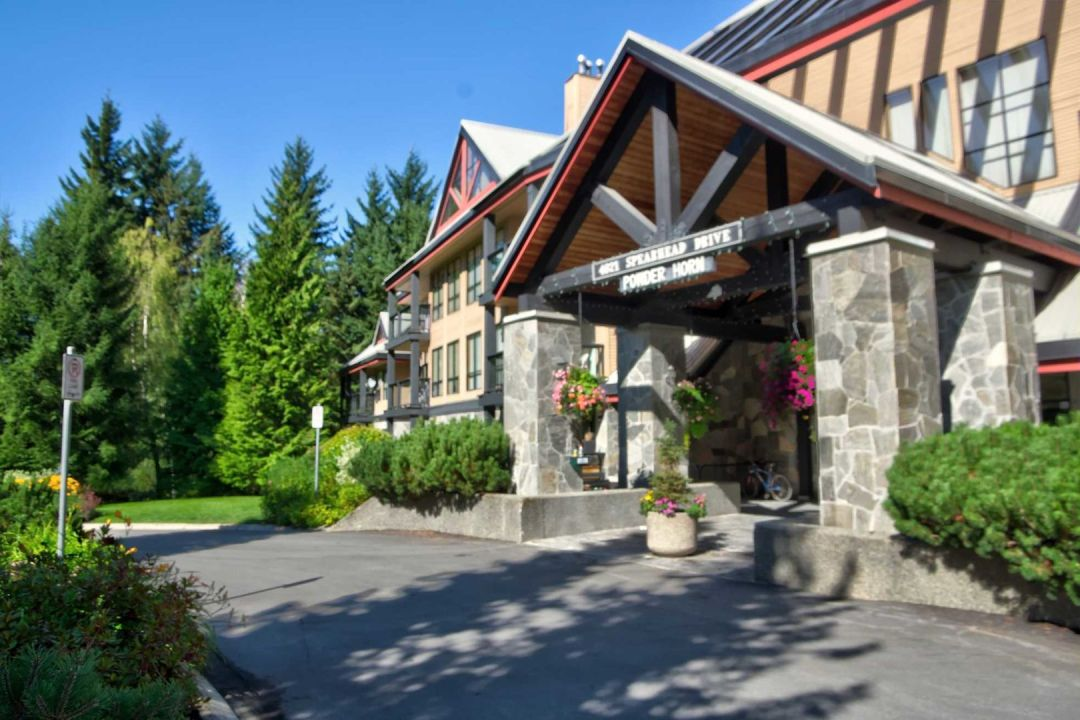 3 Bedroom Powderhorn Blackcomb Benchlands (18)
