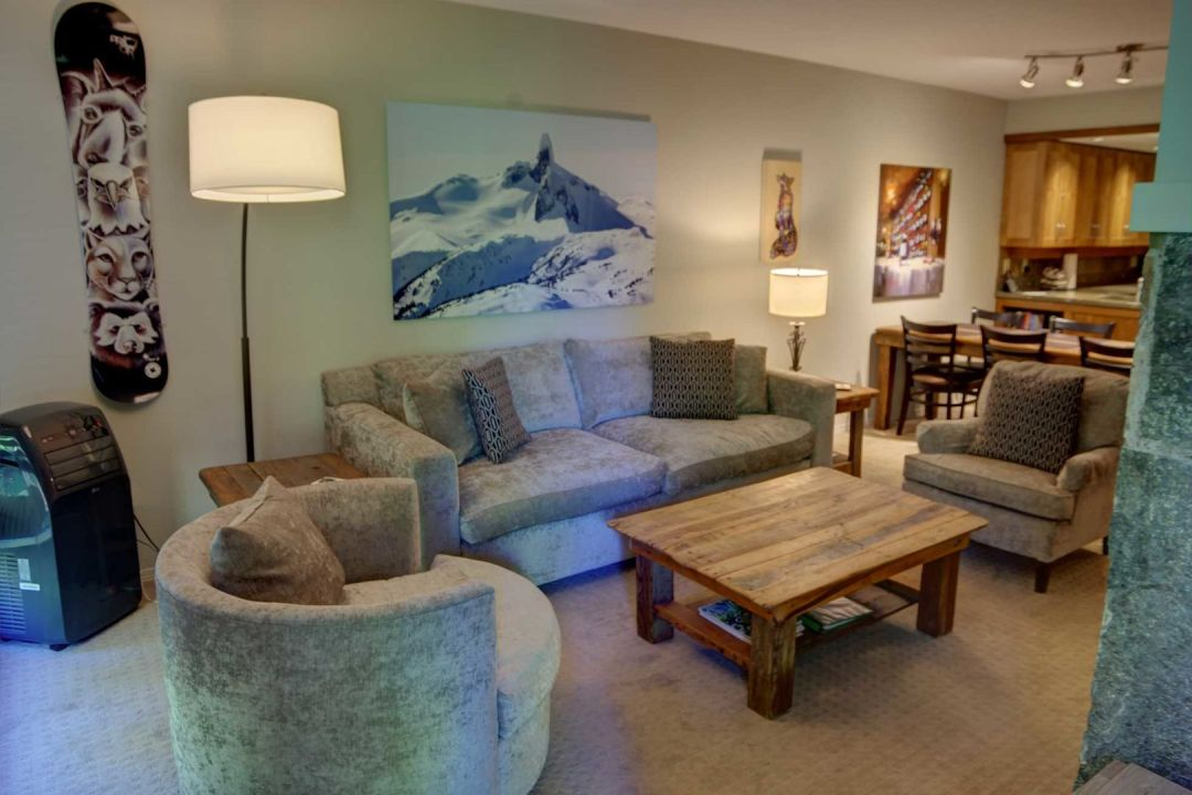 3 Bedroom Powderhorn Blackcomb Benchlands (23)