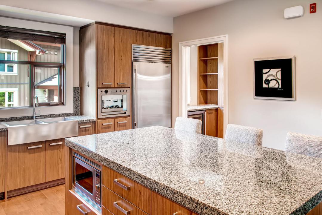 4 Bedroom Fitzsimmons Walk Whistler Luxury Rental (29)