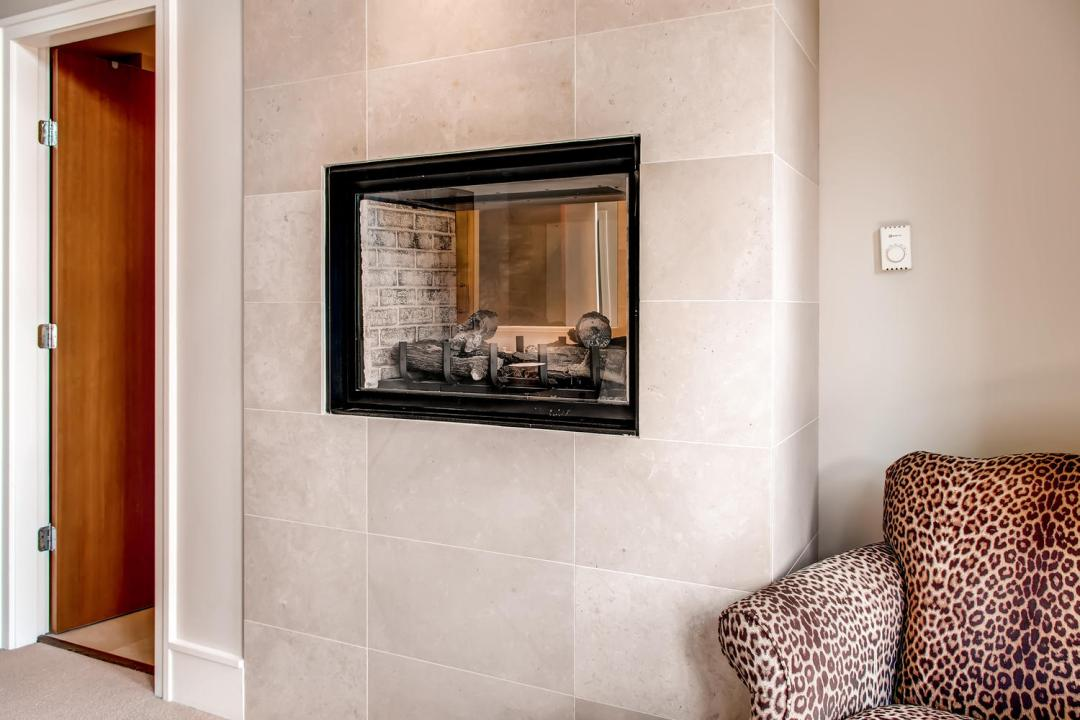 4 Bedroom Fitzsimmons Walk Whistler Luxury Rental (31)