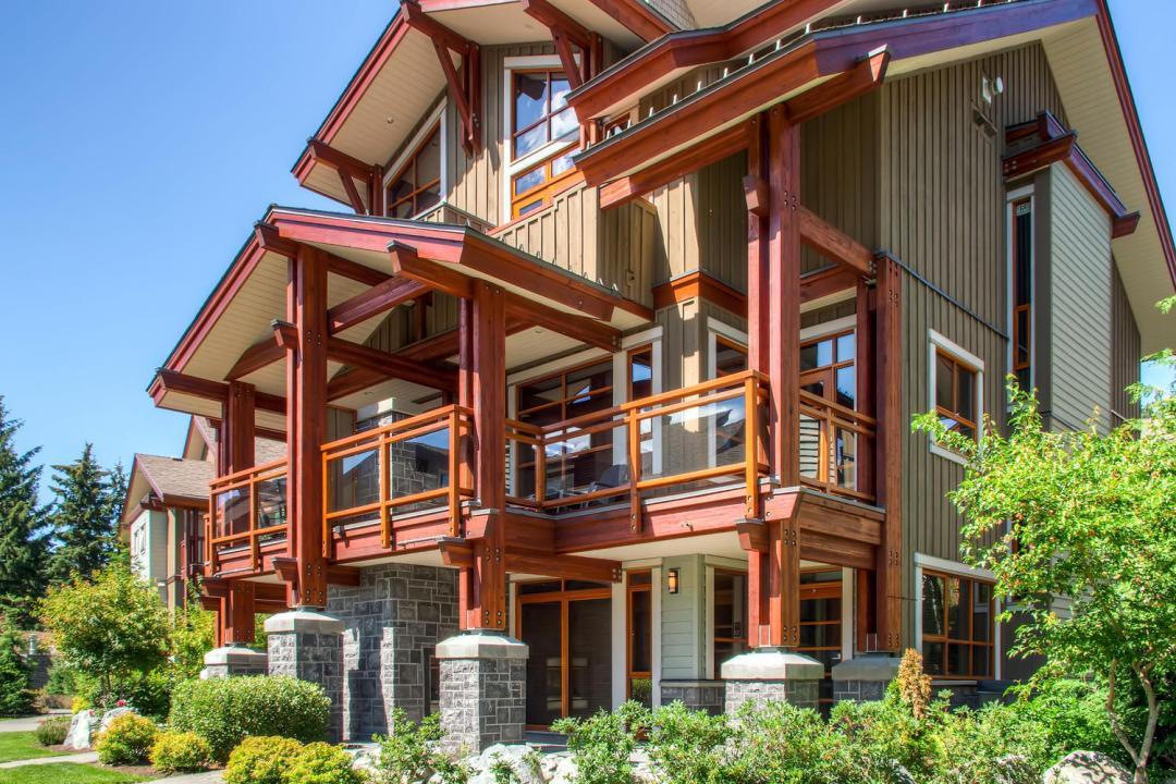 4 Bedroom Fitzsimmons Walk Whistler Luxury Rental (41)