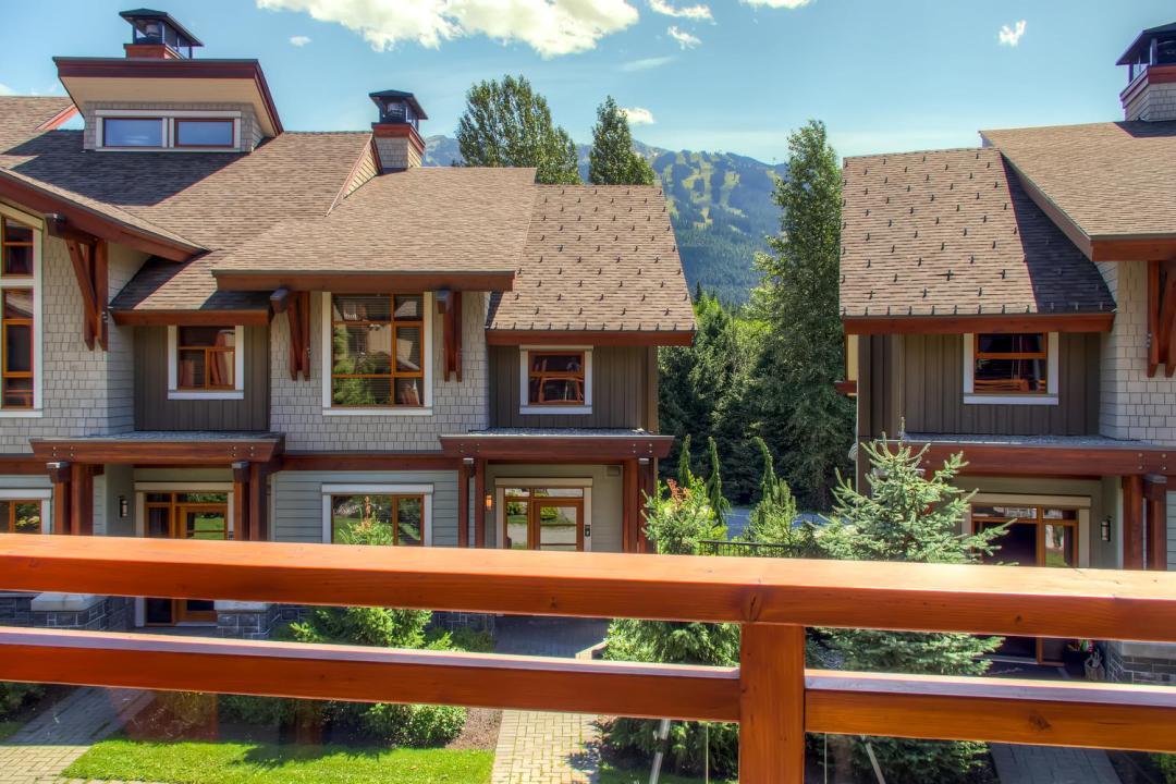 4 Bedroom Fitzsimmons Walk Whistler Luxury Rental (43)